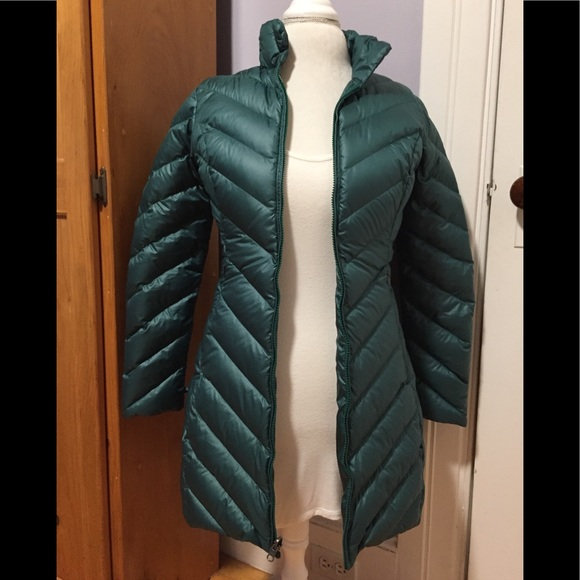 99d9ef334 Sale ! Patagonia Women's Long Down Coat - Green